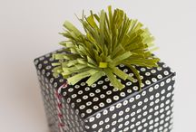 Christmas Wrap Ideas / Lot of great and creative ways to wrap up gifts this holiday season!