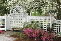 AZEK Fencing / Since 1933, Walpole handcrafted fence has been the pride of generations of homeowners. Whether front or back yard, your fence will be perfect in every detail, from aesthetics and dimensions to its structural integrity.