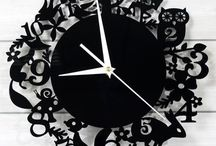 Animal Hide-and-Seek / Taiyo Shoji Animals of the Forest Black Wall Clock