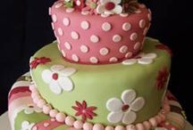 Cakes, cupcakes & Desserts / by Trena Coogle