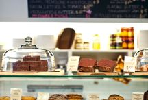 cake display cafe