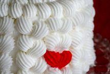 cakes / lets sin a little bit!!