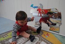 Oglinzi Logopedice / Oglinda logopedica poate fi utilizata atat in gradinite, cat si in camera copiilor, si poate fi folosita la multiple activitati, cum ar fi: terapia logopedica, expresiile fetei, de invatare si cunoastere a partilor corpului, de ce nu, chiar sa se imbrace.  Oglinda logopedica este portabila.