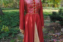 Costumes / Renaissance Medieval Gown