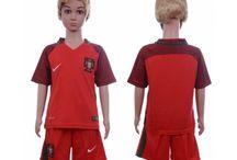 Billige Portugal fodboldtrøjer til børn / Køb billige Portugal fodboldtrøjer til børn online med oplag. Vi leverer nye Portugal billige fodboldsæt børn med lav pris og hurtig levering. Køb nu!