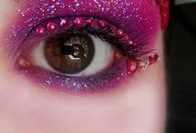 Hair and Makeup Inspiration / by Daisy Viktoria