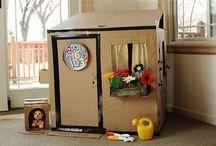 Spielhäuser / Spielzeug aus Pappe