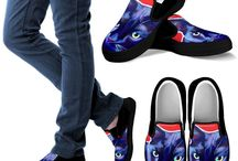 Cat Lovers Custom Art Shoes / Are a cat lover? Then you should definitely check out these custom art slip-on shoes made just for cat lovers! Hurry! Only 1,000 Made Per Design!