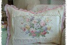 Pillows/Linens / by Cathy Bizri
