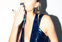 Fashionography III / Striking