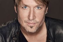 keith urban / by Juliet