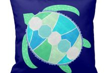 Green Turtle / Green and blue sea turtle