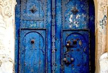 Doors n Gates & Alley ways / fantastic entrances to mysterious places / by Cynthia De Windt
