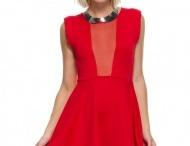 dresses / by Kimberley Buntine