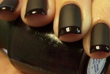 Dazzle Nailzz / by Mary Bannister
