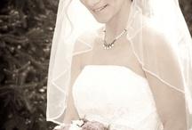 poses for wedding photos / by Velvet Isenhart