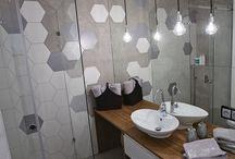 Inwestycja Mokotow / Łazienka w stylu industrialnym z wykorzystaniem betonu strukturalnego i heksagonów