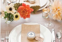 sur la table / table design including escort cards and table numbers