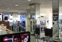 Unsere Technik-Stores / Wir haben unsere Geschäfte in Wismar und Schwerin. Hier bekommt ihr ein paar Eindrücke!