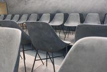CHAISES ET FAUTEUILS EN BÉTON par Lyon Béton / Laissez vous surprendre par le confort de nos chaises, fauteuils et tabourets en béton. La touche de design minimaliste parfaite pour votre intérieur, pour un bar ou un restaurant. Plus de photos : www.lyon-beton.com/fr/