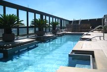 Beautiful Rooftop Hotel Pools / There are rooftop pools and then there are death defying rooftop pools. These are pools located impossibly high off the ground