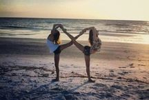 Best friend things / Some poses I want to do with my besties!