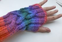 Handstulpen und Handschuhe