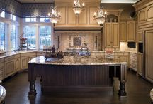 Kitchen Ideas / Colonial