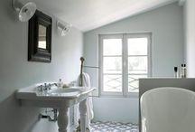 Salle de bain / Linge de bain, déco, tendances, inspirations... Baignoires, lavabos, savons, serviettes etc. #Bathroom