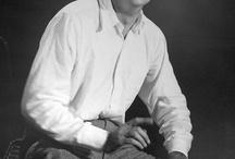 Fenominal Feynman / Fantastic fhysicist (sic) and exceptional human being. Bingo player, Artist. Atom bomb team leader