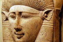 Egypten / Besøg dejlige Egypten, tilbyder flere forskellige pakker: Hathor, Ra, Seti, Osiris, Ibis, Kleopatra, Hatshepsut, Nefertiti. Se http://www.atravel.dk/egypten/