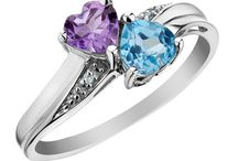 DIAMOND PROMISE RING / Diamonds are beautiful, go with everything and are timeless and classic. However, it is not as simple as saying that you want a diamond ring if you are looking for an engagement ring.  Click Here: http://diamondpromisering.net/