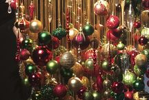 Christmas Decorations / Beautiful Christmas decorations for your home. / by Decor Spark