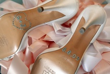 Wedding Details / It's all in the details. From flowers and cake, to shoes and paper goods, get up and close with the details at my weddings