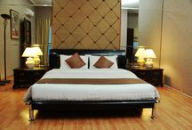 Rooms And Suites / Stylish and Elegant Hotel Great Western Resort Hotel & Convention Center, Tangerang, offers 135 richly decorated guestrooms and suites. Many boast spectacular views of the city and the exclusive Gading Serpong neighbourhoods.