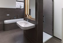 contemporary bathrooms / current design of bathrooms, tiles on walls and floor, fittings, colours and moods