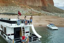 Houseboating at Lake Powell / Above all else, Lake Powell is known for houseboating. One reason is that we make it easy. Whether you're a seasoned houseboater or a first-timer, we provide everything you need to have the vacation of a lifetime.