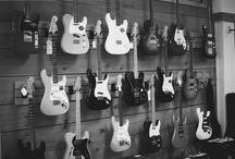 Guitarras / by Warner Alvarez Hidalgo