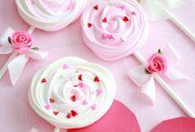 Handmade Sweets (cakes,cupcakes&candies) / Kreatív édességek és sütemények / Handmade sweets ( cupcakes, DIY birtday cakes, popsicles ..) For more craft ideas visit our site: http://www.mindy.hu/en ◄◄ ║ ►►Édességekkel kapcsolatos kreatív ötletek (szülinapi torták, édességek, sütik) (Ha magyarul szeretnéd látni az ötletek leírását a Mindy oldalán: a Mindy-n a menü alatti szürke sávban az oldal tetején találhatod a nyelvváltás gombot!) Még több kreatív ötlet: http://www.mindy.hu/hu