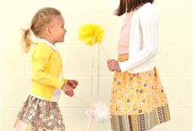 Kids & mum_sewing