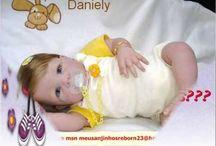 bonecas que imitam bebês de  verdade