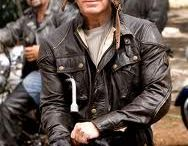 Wild Hogs Dudley Frank Leather Jacket / Wild Hogs is a 2007 comedy outlaw biker road movie directed by Walt Becker and starring Tim Allen, John Travolta, Martin Lawrence and William H. Macy. It was released nationwide in the United States and Canada on March 2, 2007