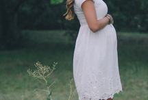 Mom-to-be Fashion / Maternity clothing which would be beautiful for a photo session or for day to day.