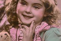 vintage/pin up / Retro beauty rockabilly babe