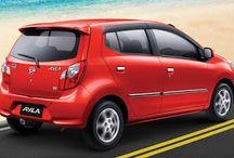 DAIHATSU AYLA / Desain Daihatsu Ayla dan Toyota Agya memang terlihat sangat mirip, karena keduanya sama-sama didesain oleh pihak Daihatsu khusus untuk pasar Indonesia. Perlu sobat otomotif ketahui, mobil ini pertama kali diperkenalkan pada acara Internasional Motor Show 2012 dan mulai dipasarkan pada tanggal 9 September 2013 setelah sukses melewati tes LCGC (Low Cost Green Car) yang dicanangkan pemerintah Indonesia. LCGC sendiri adalah kebijakan pemerintah Indonesia menengan peraturan mobil murah.