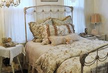 Dream Cottage_Bedroom / by Loretta Cannon Proctor
