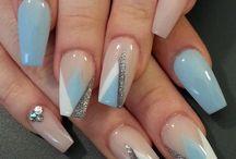 Amaze-balls manicures