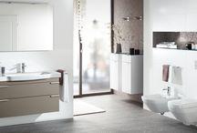 Wastafels / De wastafel is een belangrijk item in de badkamer, je maakt er immers dagelijks gebruik van en de wastafel is een ware eye-catcher. De keuze voor een wastafel voor de toiletruimte valt vaak voor een fontein. Deze is vaak wat subtieler voor de kleinere ruimte en Badkamerwinkel.nl heeft voor ieder wat wils.  Voor het advies over wastafels, kun je contact opnemen met de sanitair adviseur van Badkamerwinkel.nl