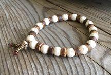energy bracelets / Naramky