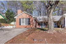 1899 Cooper Landing Drive, Smyrna, GA 30080 / Listing Agent: GLENNDA L BAKER; 678-755-3711; glennda@glennda.net; Deal of the day in Smyrna / Vinings! This adorable ranch with front porch has been updated and upgraded with lovely finishes.